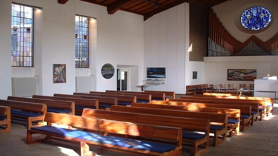 Kerkzaal_Houtrustkerk